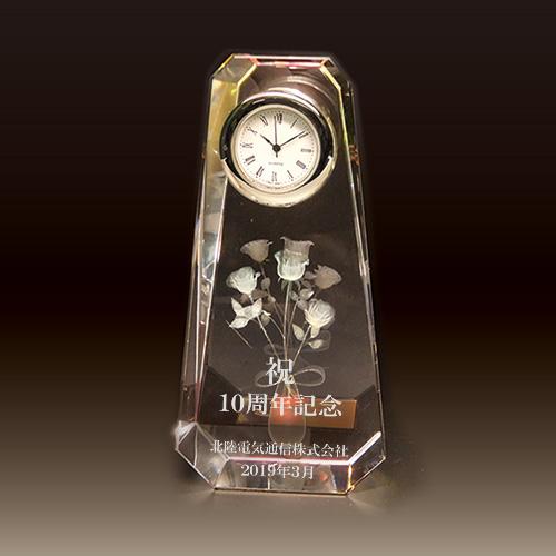 周年記念品のクリスタル楯(盾)バラ