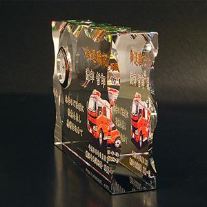 消防退職記念品のフルカラー写真入りクリスタル楯(盾)消防車