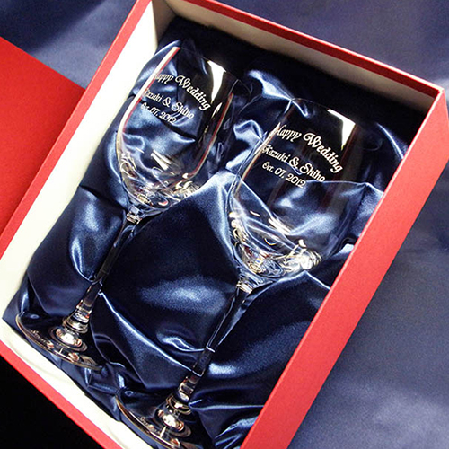 結婚祝いプレゼントのクリスタルワイングラス(ペア)