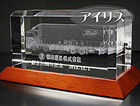 周年記念の3Dクリスタル トラック