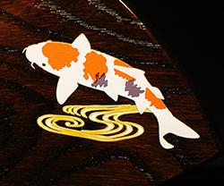 木製楯(盾)の記念品、木の楯(盾)和柄:鯉